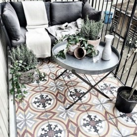 Popular Apartment Balcony Design For Small Spaces 40