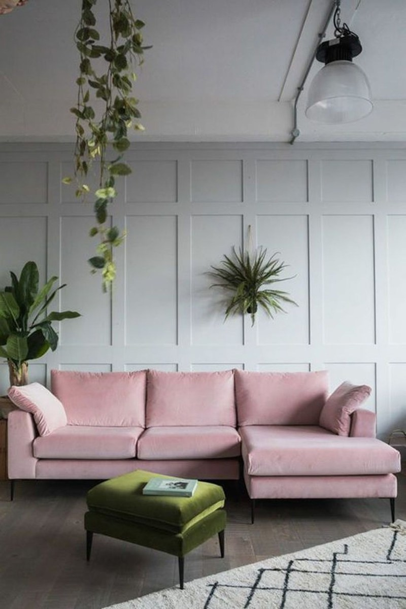Lovely Pink Living Room Decor Ideas 23