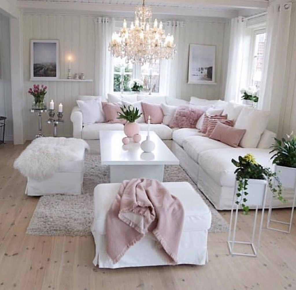 Lovely Pink Living Room Decor Ideas 44