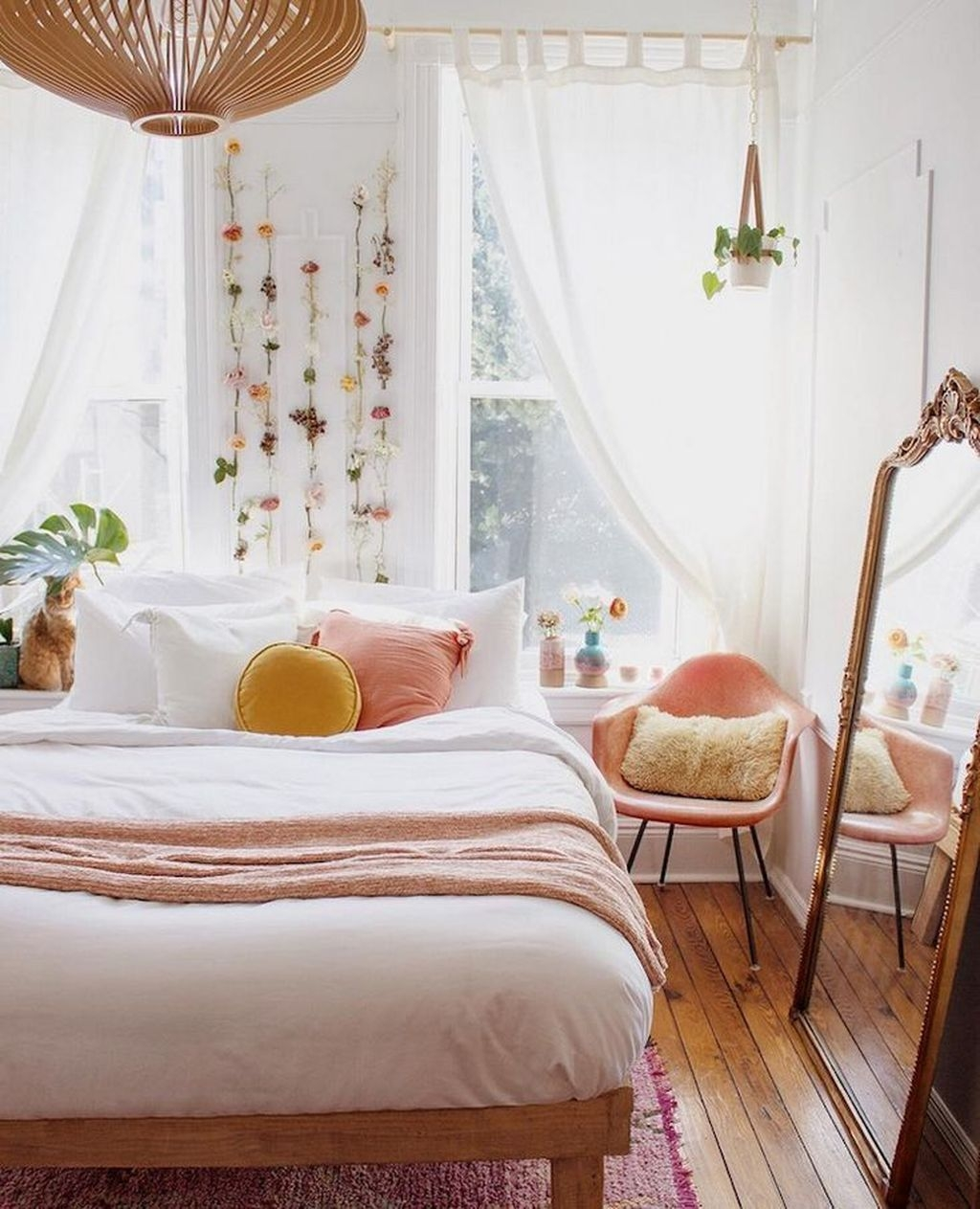 Minimalist Scandinavian Bedroom Decor Ideas 02