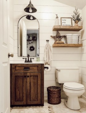 Perfect Rustic Farmhouse Bathroom Design Ideas 08