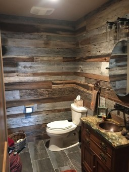 Perfect Rustic Farmhouse Bathroom Design Ideas 12