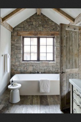 Perfect Rustic Farmhouse Bathroom Design Ideas 25
