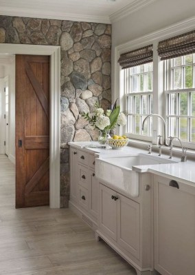 Perfect Rustic Farmhouse Bathroom Design Ideas 36