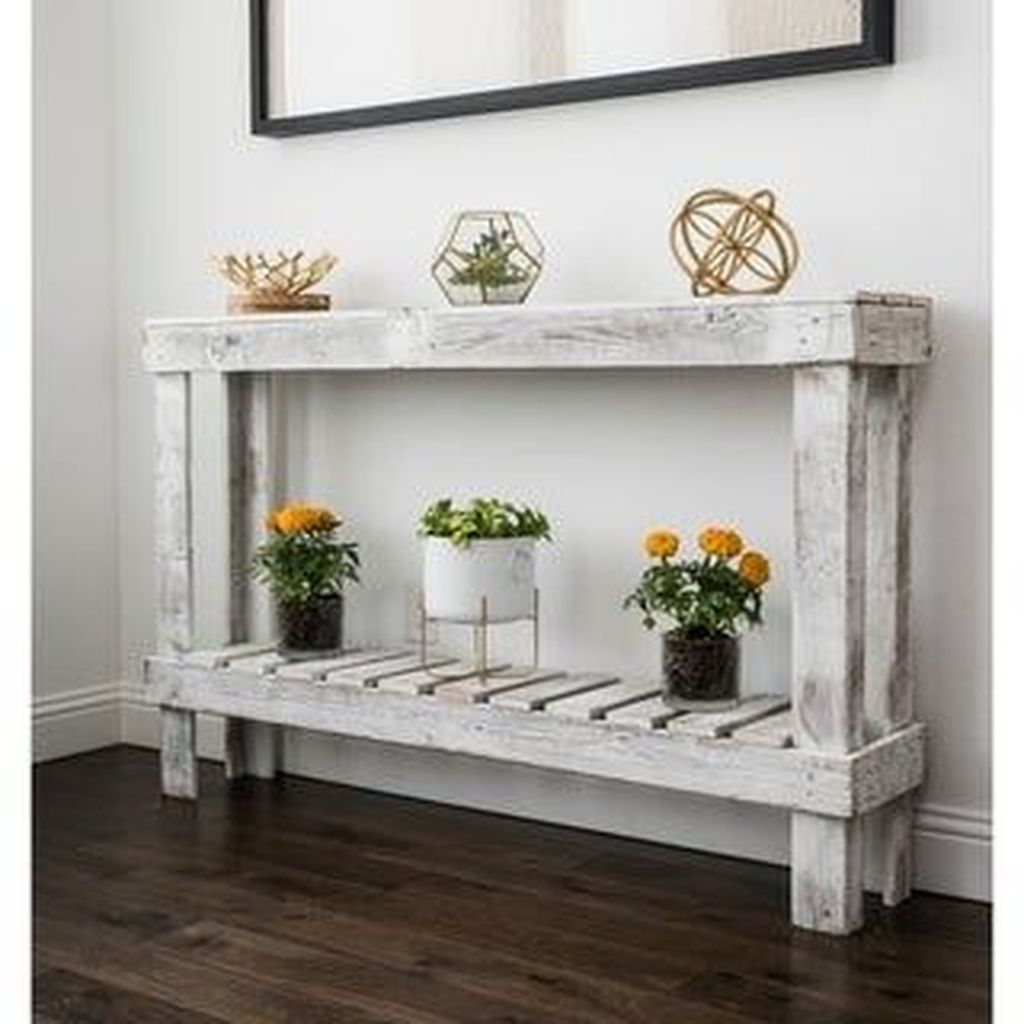 Amazing Sofa Table Decor Ideas You Should Try 32
