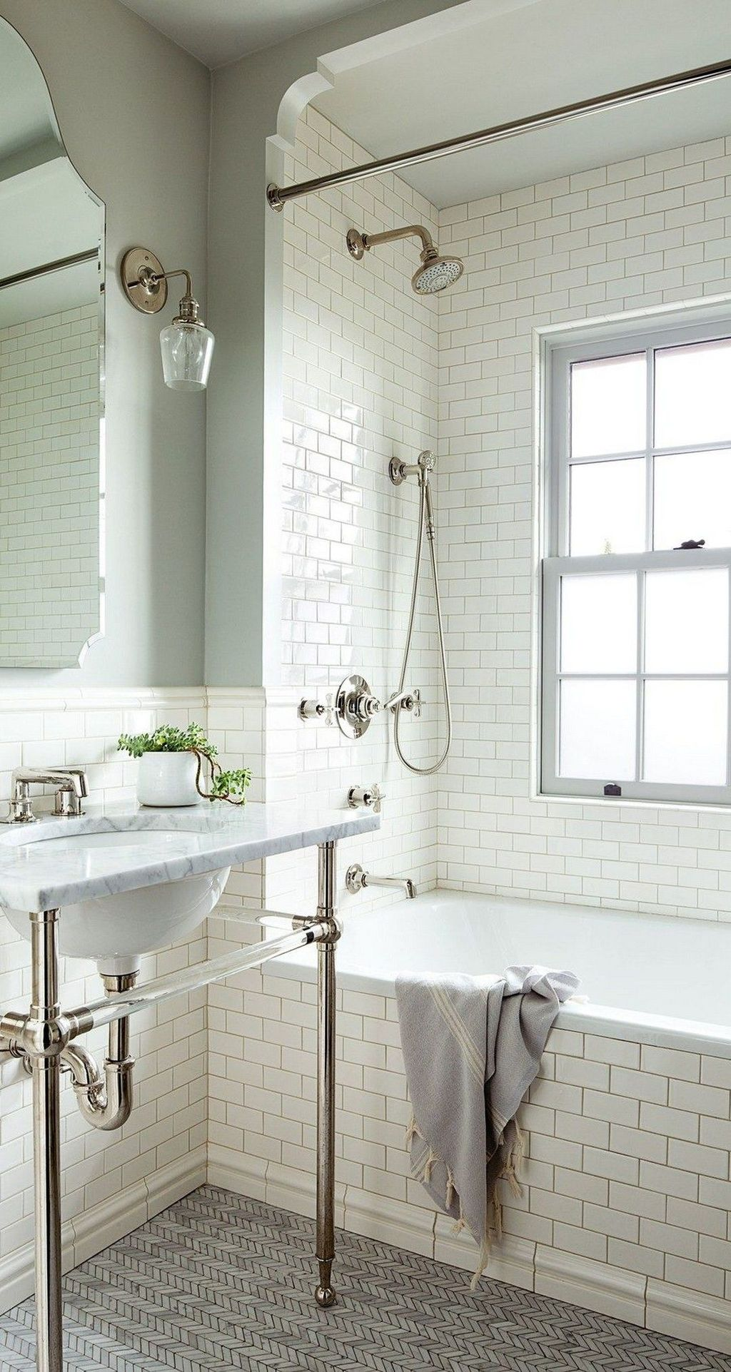 Amazing White Tile Bathroom Design Ideas Looks Elegant 02