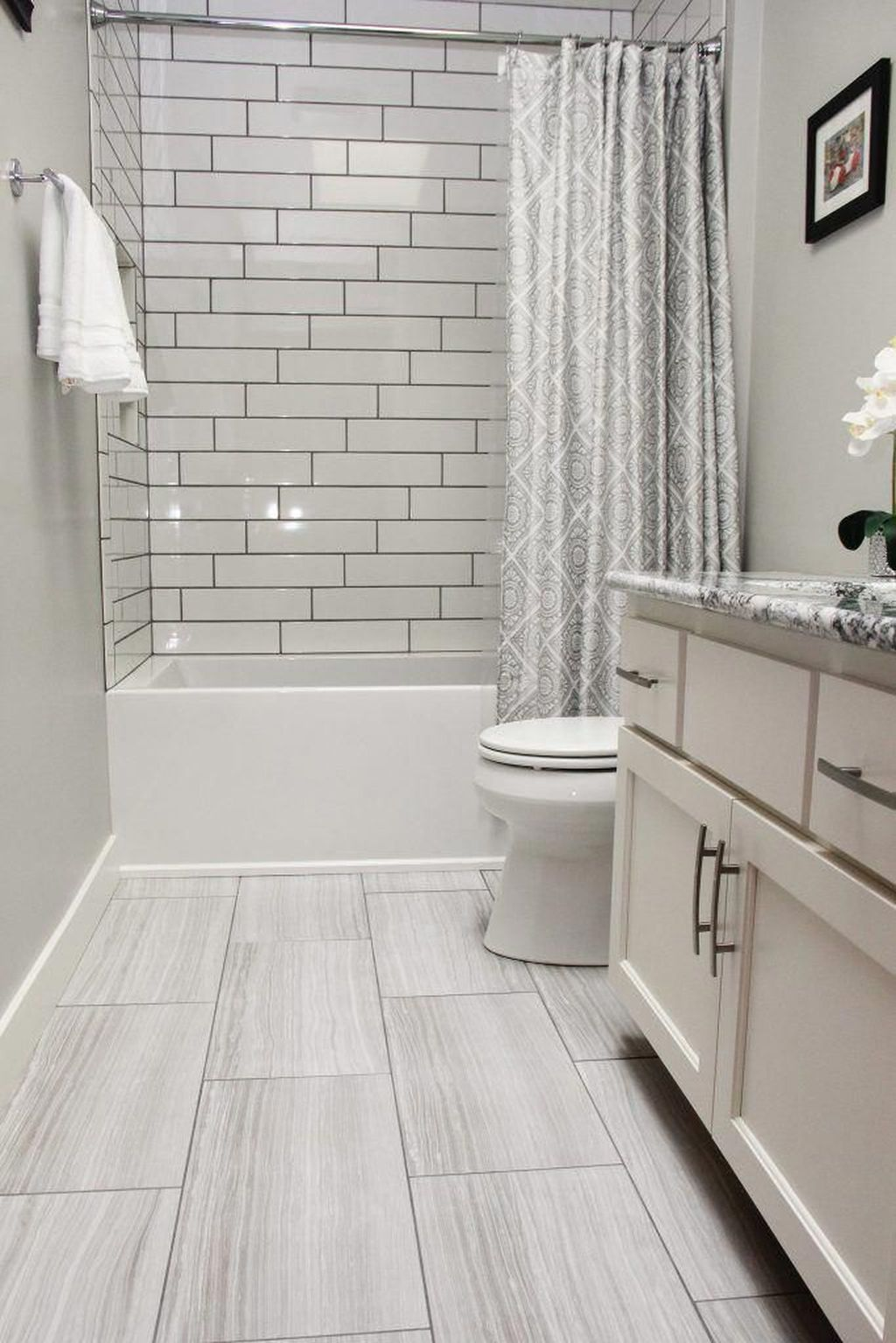 Amazing White Tile Bathroom Design Ideas Looks Elegant 03