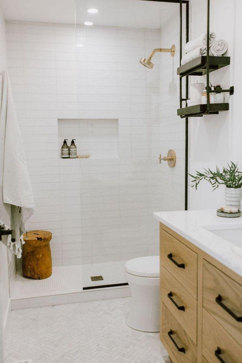 Amazing White Tile Bathroom Design Ideas Looks Elegant 12