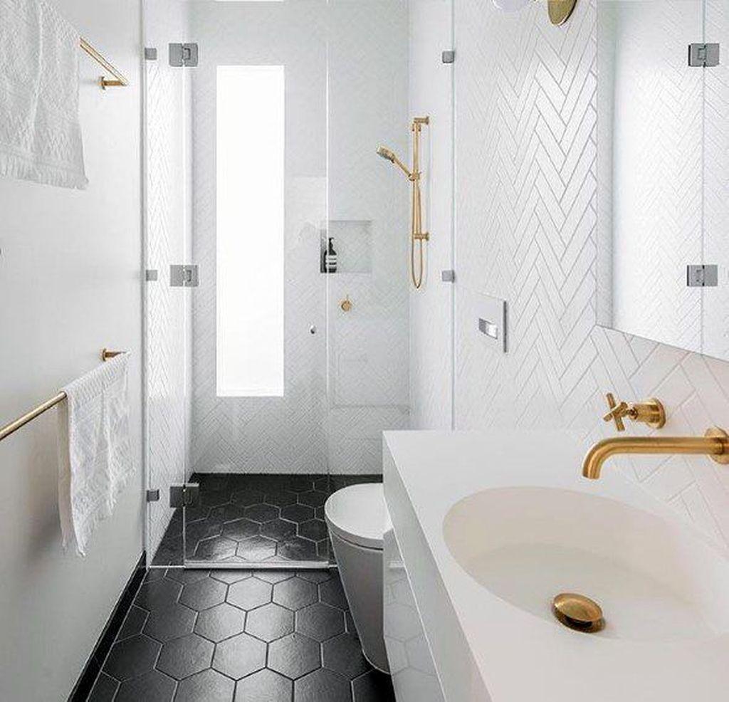 Amazing White Tile Bathroom Design Ideas Looks Elegant 17