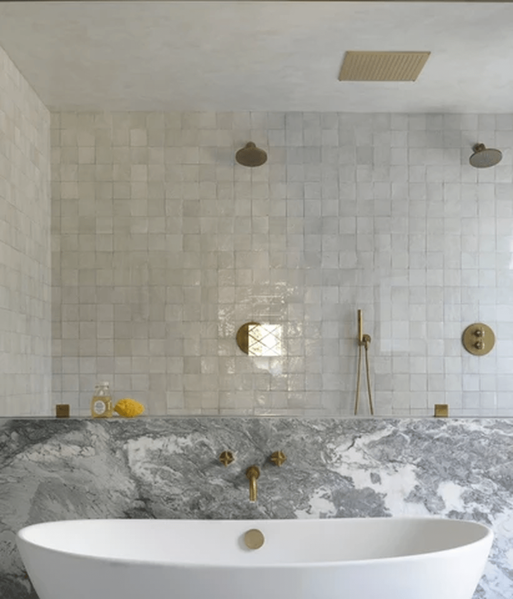 Amazing White Tile Bathroom Design Ideas Looks Elegant 28