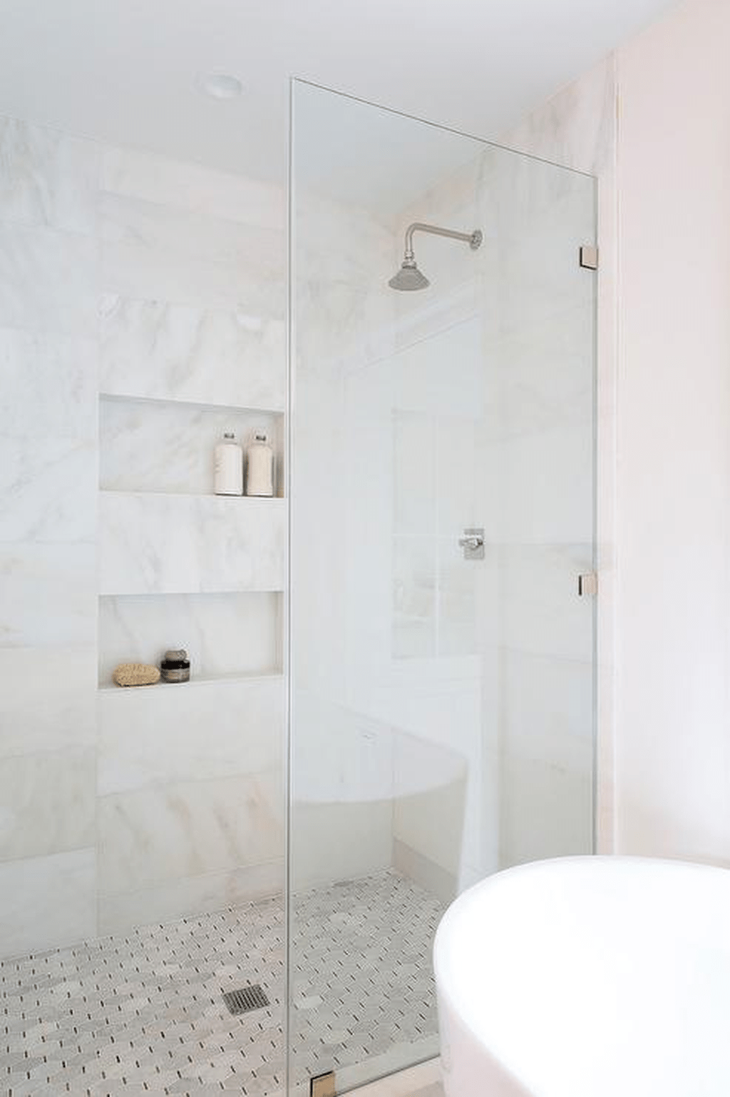 Amazing White Tile Bathroom Design Ideas Looks Elegant 33