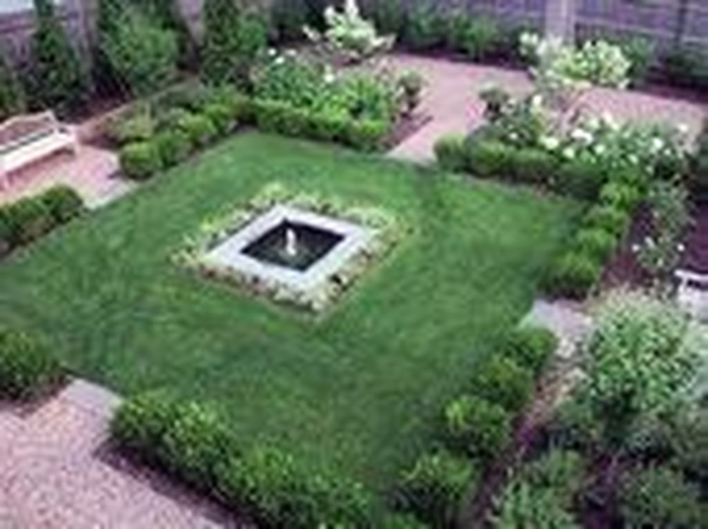 Beautiful Formal Garden Design Ideas 06