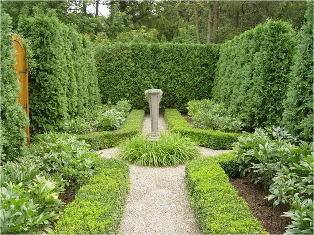 Beautiful Formal Garden Design Ideas 10