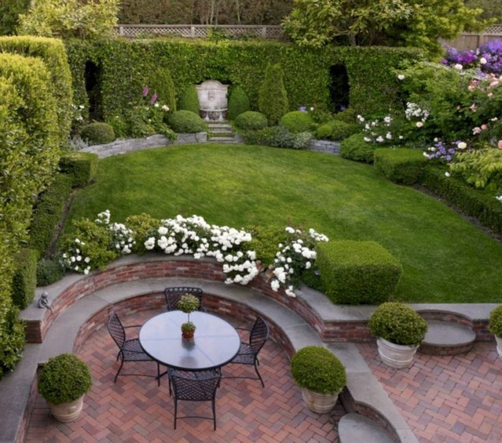 Beautiful Formal Garden Design Ideas 14