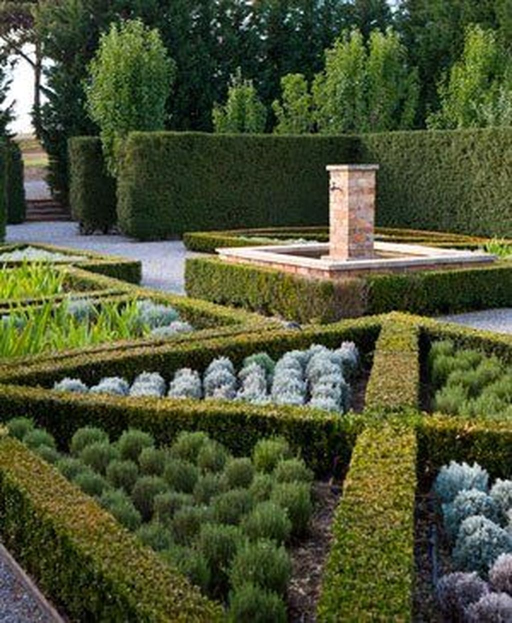 Beautiful Formal Garden Design Ideas 21