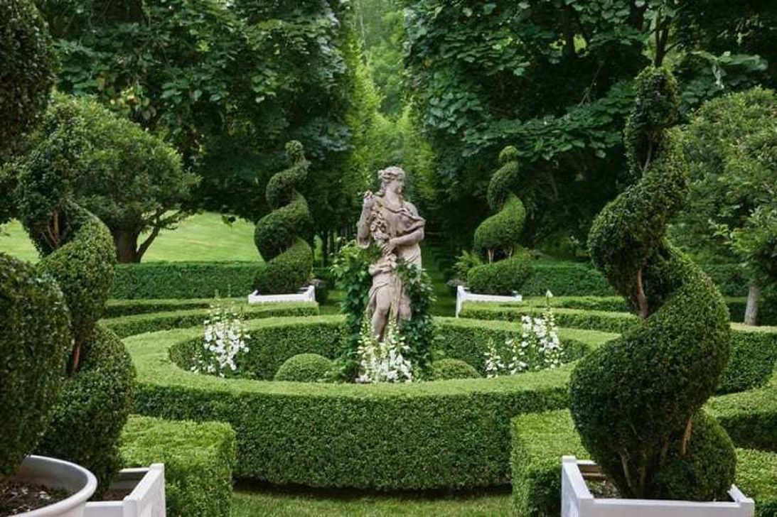 Beautiful Formal Garden Design Ideas 28 1