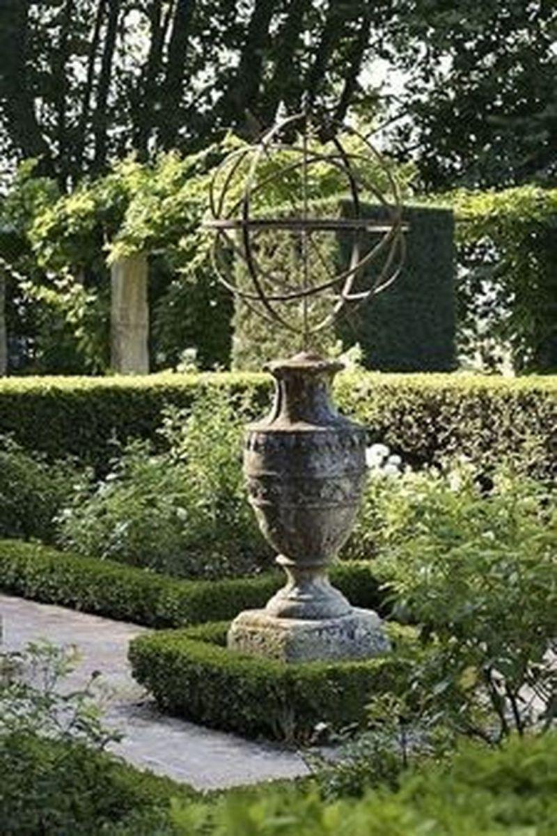 Beautiful Formal Garden Design Ideas 30