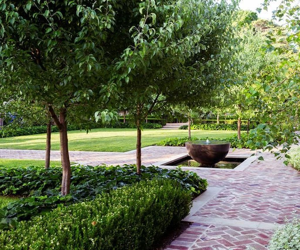 Beautiful Formal Garden Design Ideas 34 1