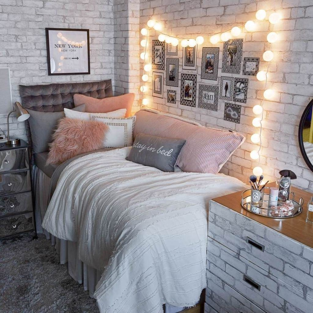 Cool Dorm Room Ideas To Maximize Your Space 11