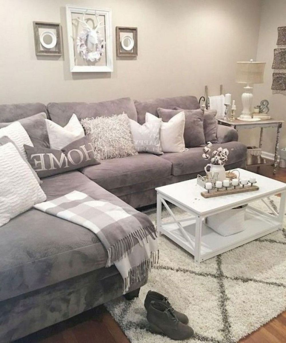 Fascinating Small Apartment Living Room Decor Ideas 11