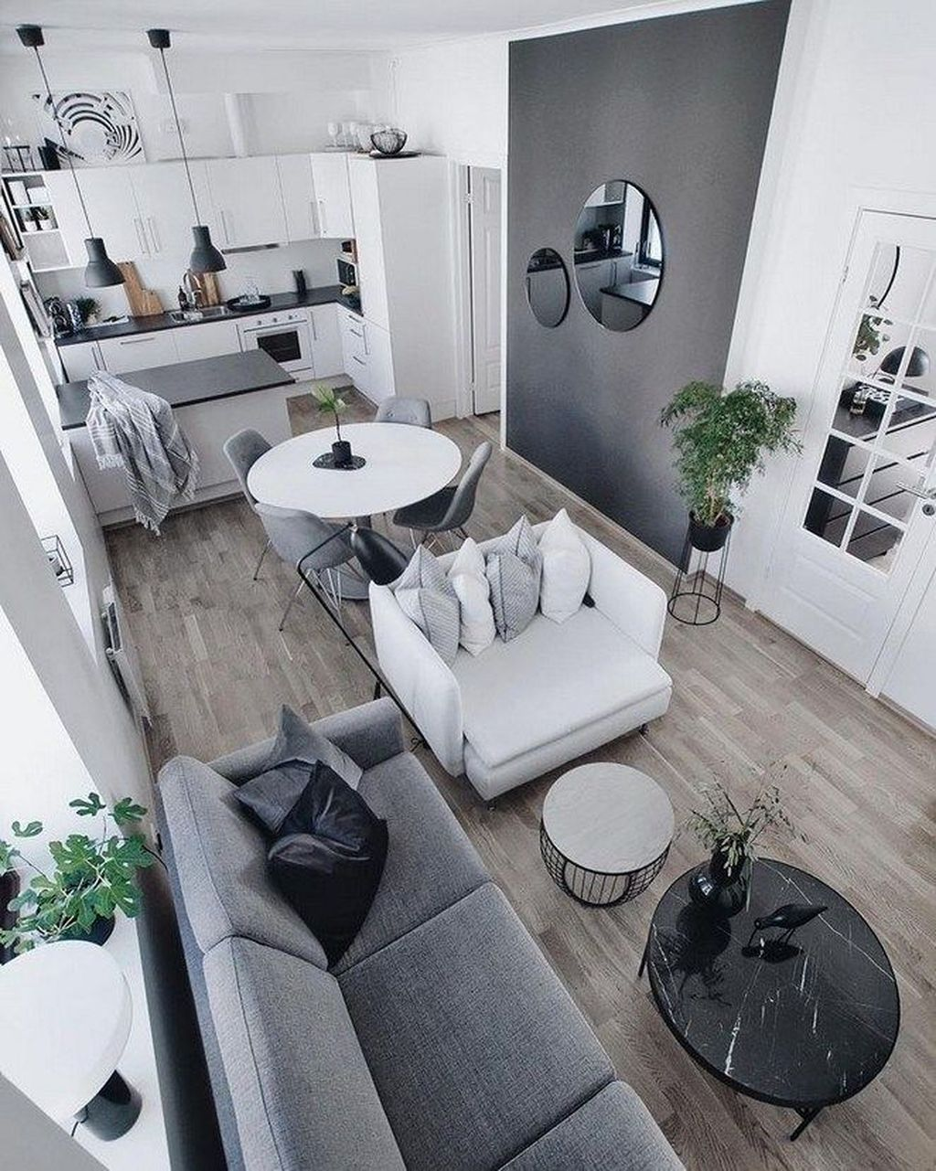 Fascinating Small Apartment Living Room Decor Ideas 14