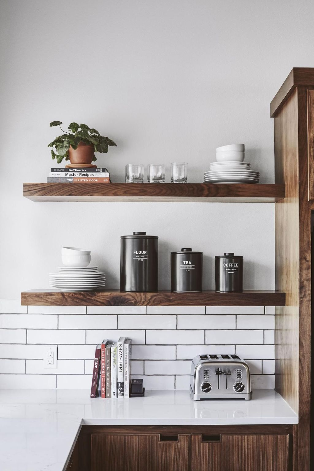 Gorgeous Kitchen Shelves Ideas You Must Have 08