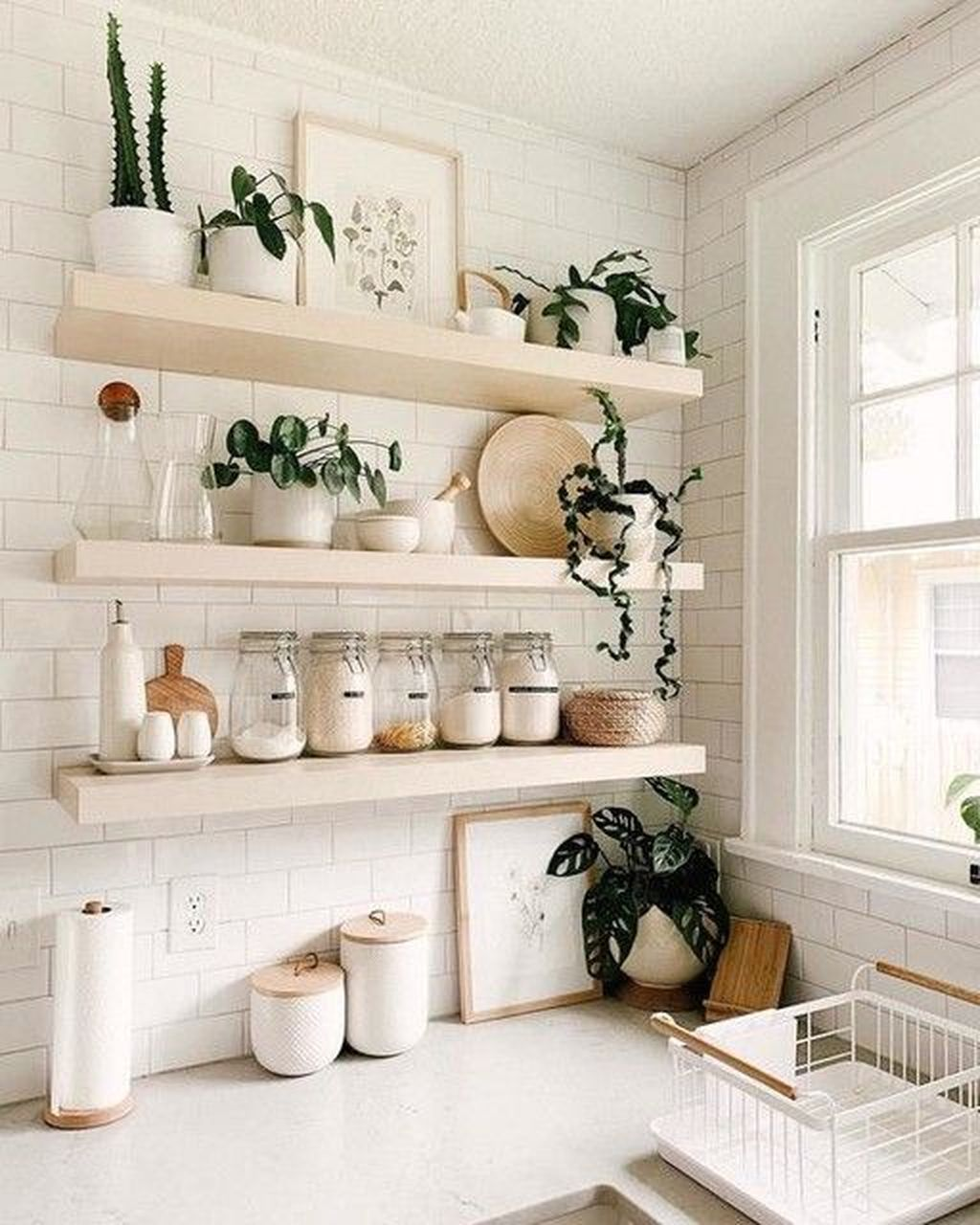 Gorgeous Kitchen Shelves Ideas You Must Have 12