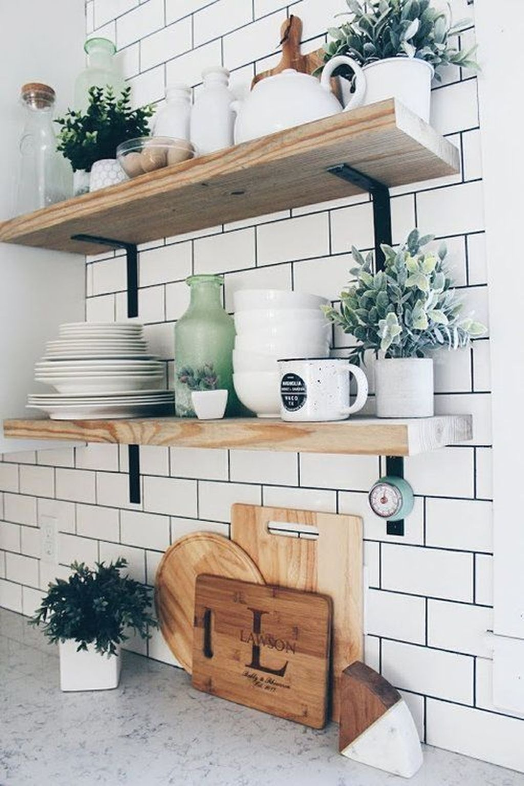 Gorgeous Kitchen Shelves Ideas You Must Have 15