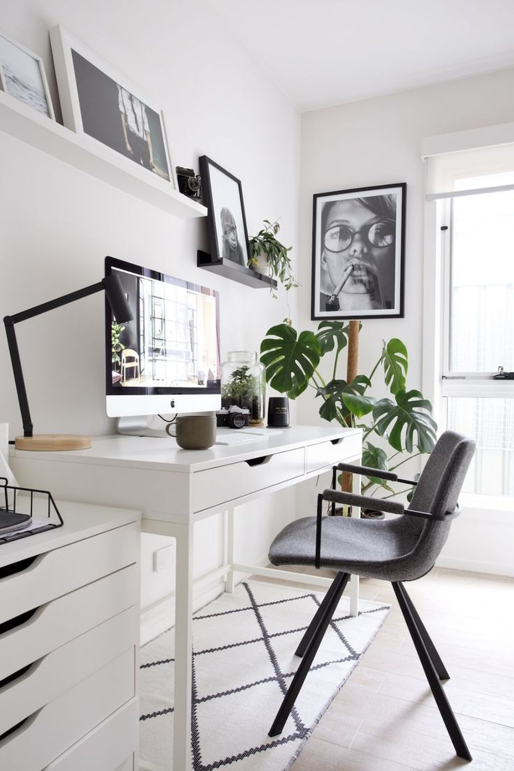Inspiring Small Office Ideas For Small Space 14