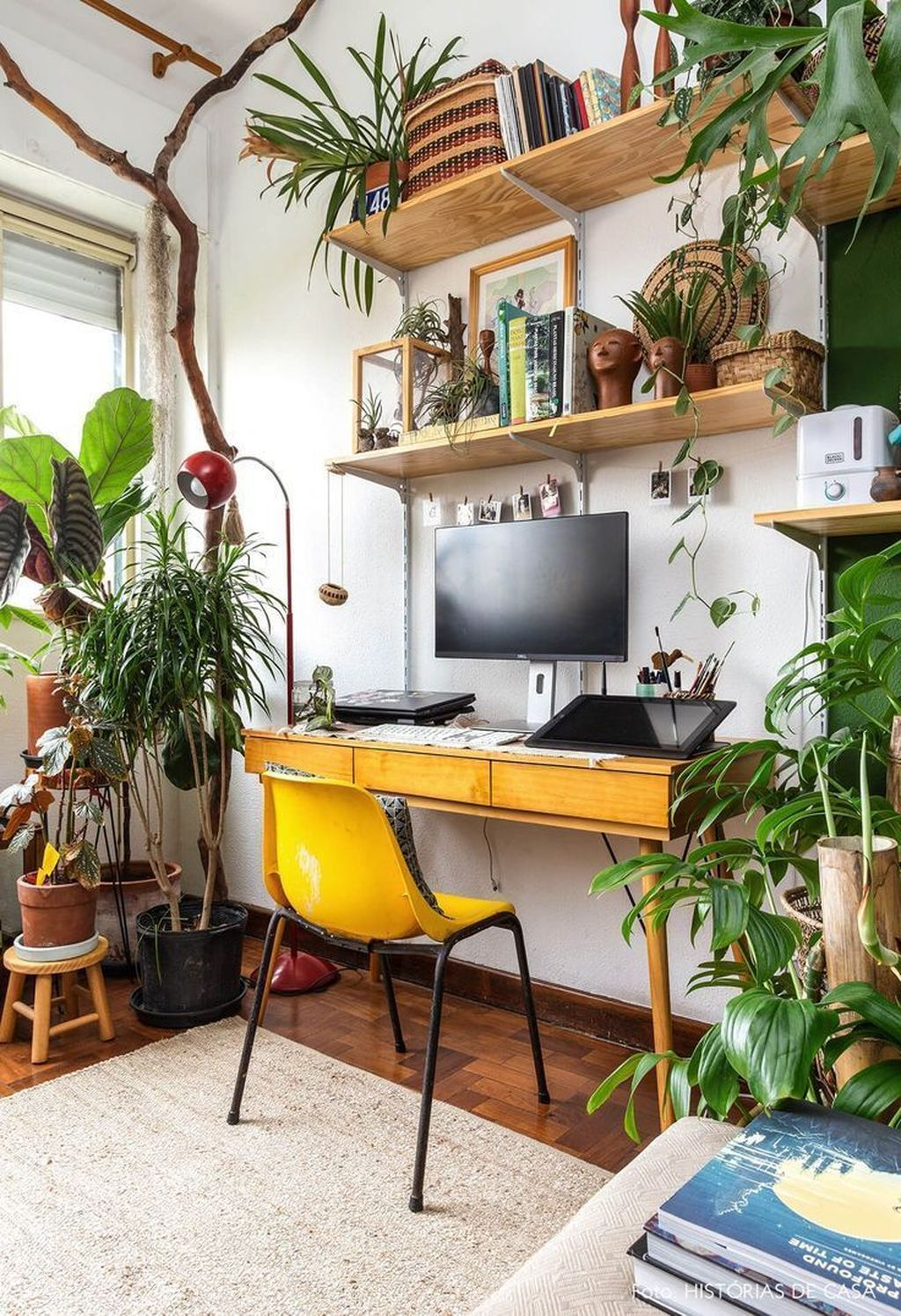 Inspiring Small Office Ideas For Small Space 33