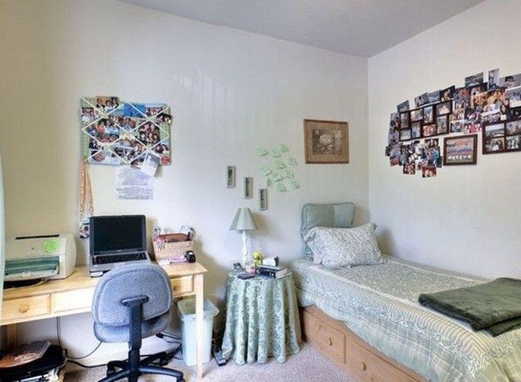 Nice Simple Dorm Room Decor You Should Copy 18