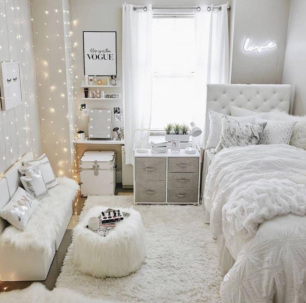 Nice Simple Dorm Room Decor You Should Copy 26