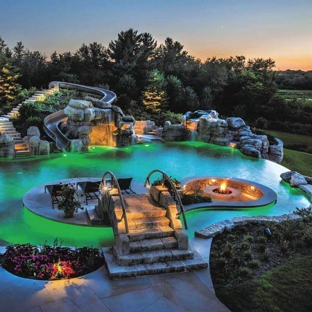 Stunning Backyard Pool Landscaping Ideas 17