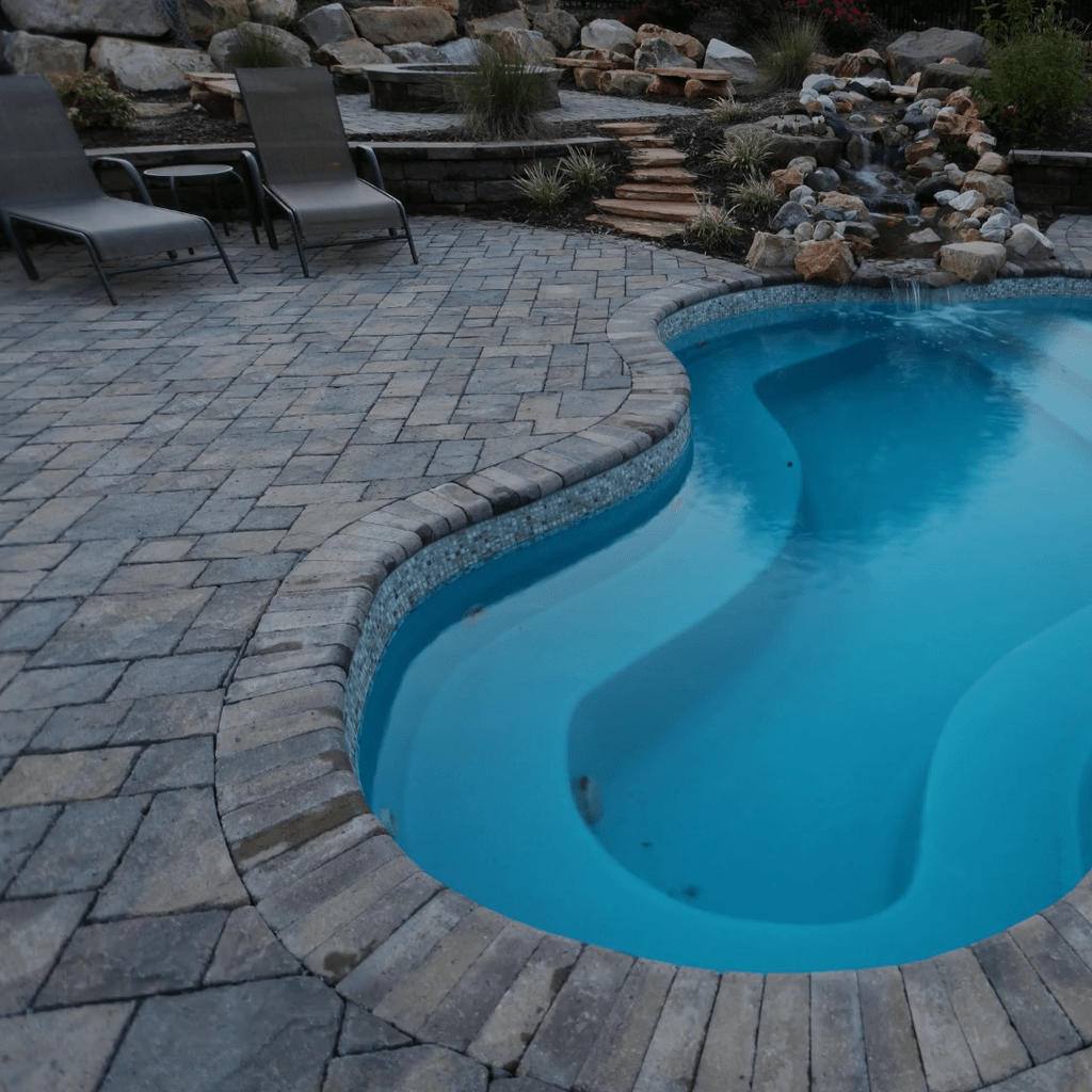 Stunning Backyard Pool Landscaping Ideas 33