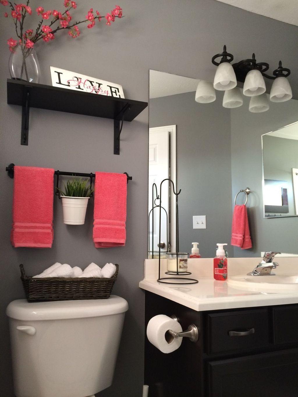 Affordable Coral Color Bathroom Decor Ideas 04