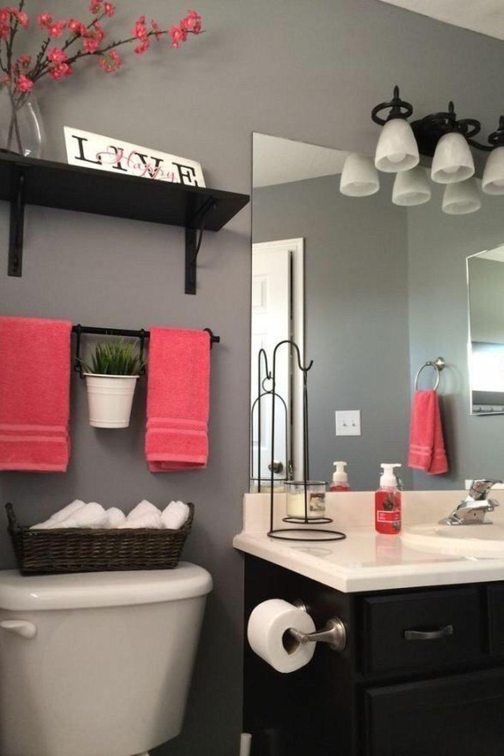 Affordable Coral Color Bathroom Decor Ideas 33