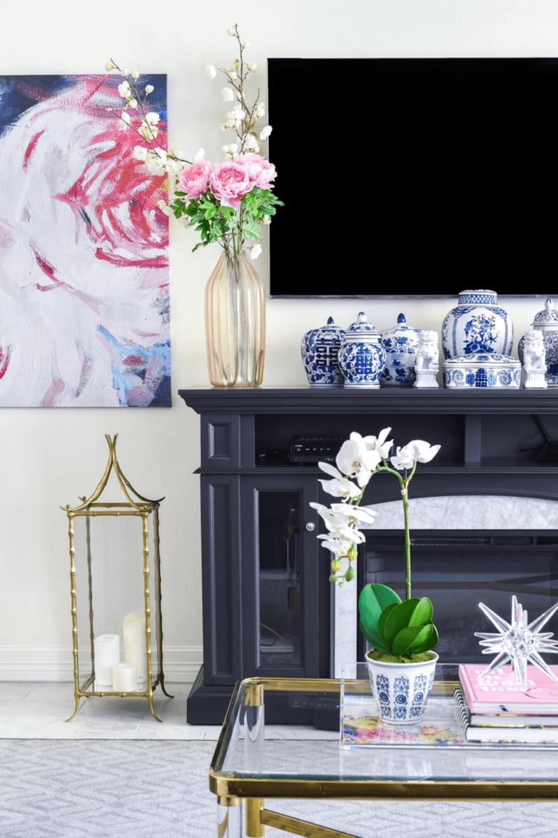 Amazing Floral Living Room Decor Ideas That You Will Love 09