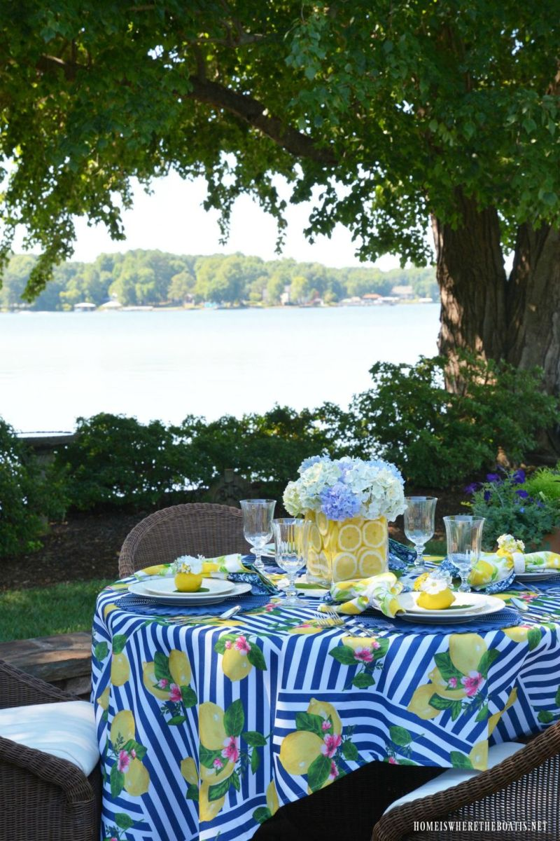 Amazing Summer Tablescapes For Dining Room Decor 08