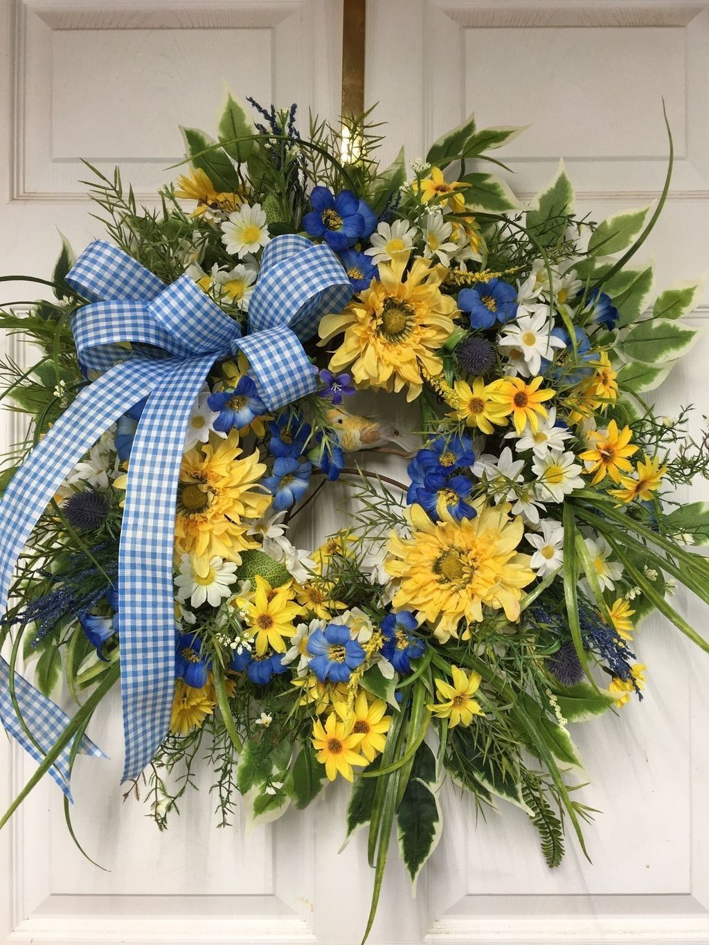 Awesome Spring Wreath Ideas For Front Door Decor 18