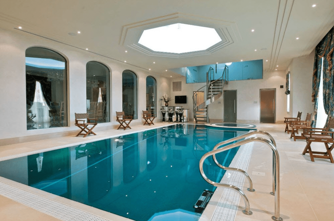 Beautiful Modern Indoor Pool Design Ideas You Must Have 12