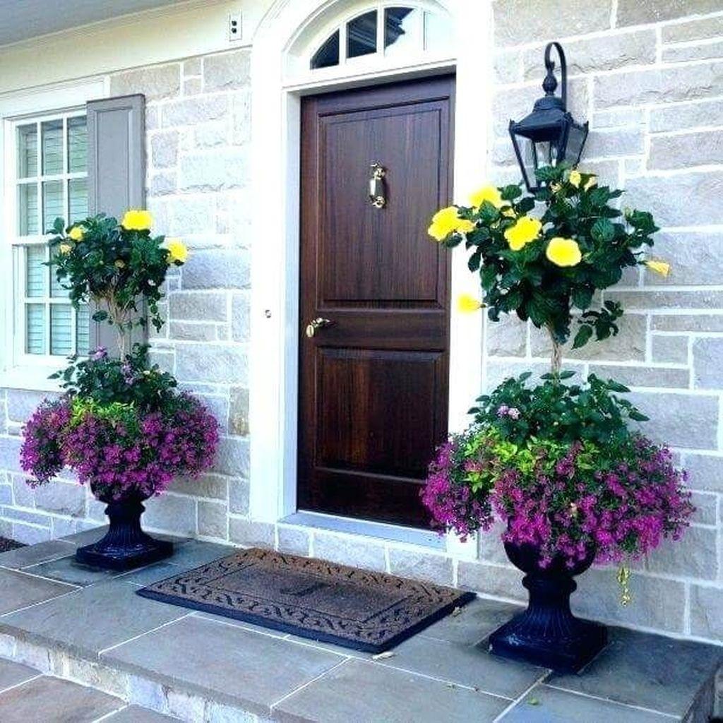 Beautiful Summer Planters Ideas For Front Door Decor 05 1