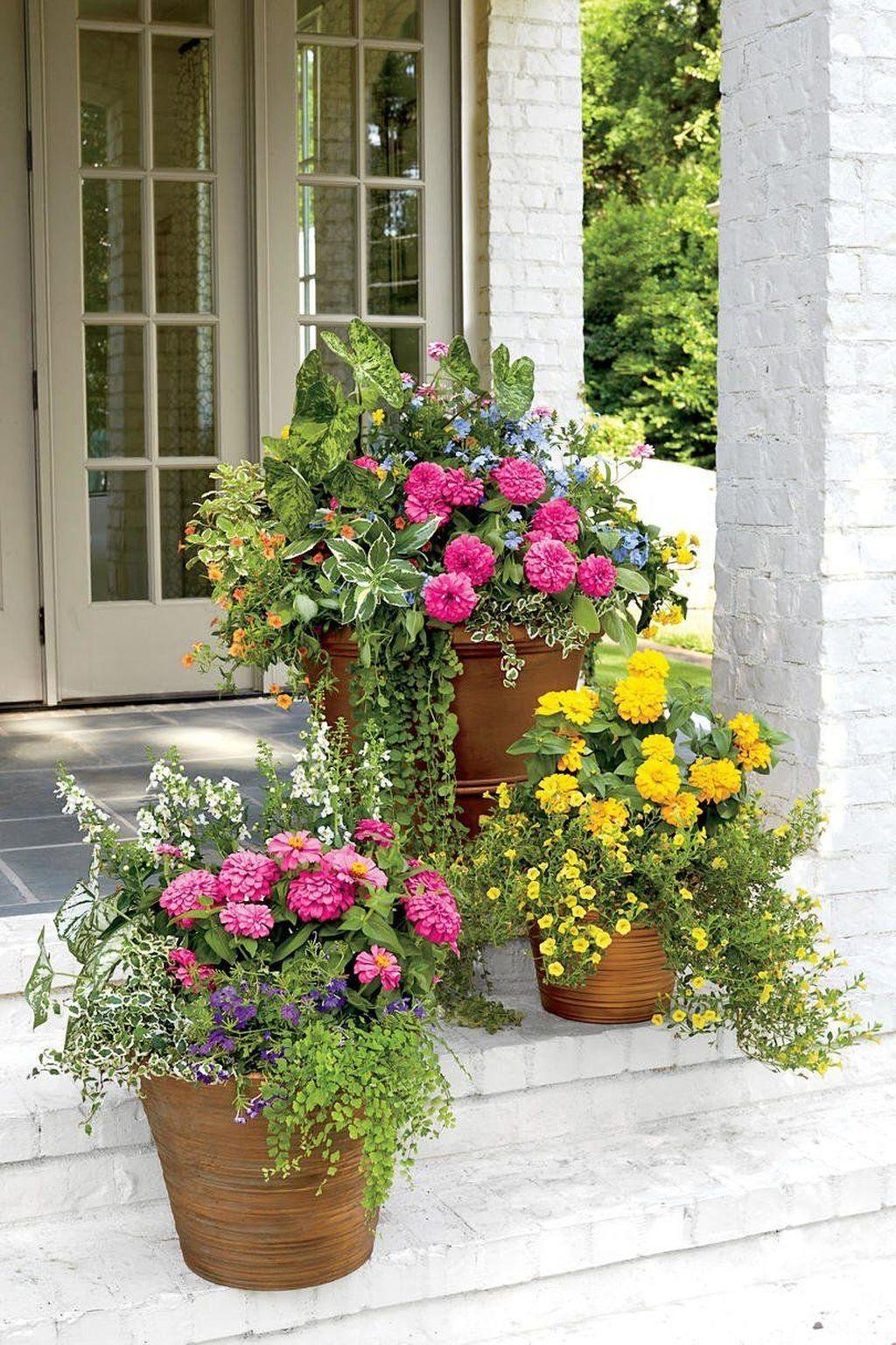 Beautiful Summer Planters Ideas For Front Door Decor 08 1