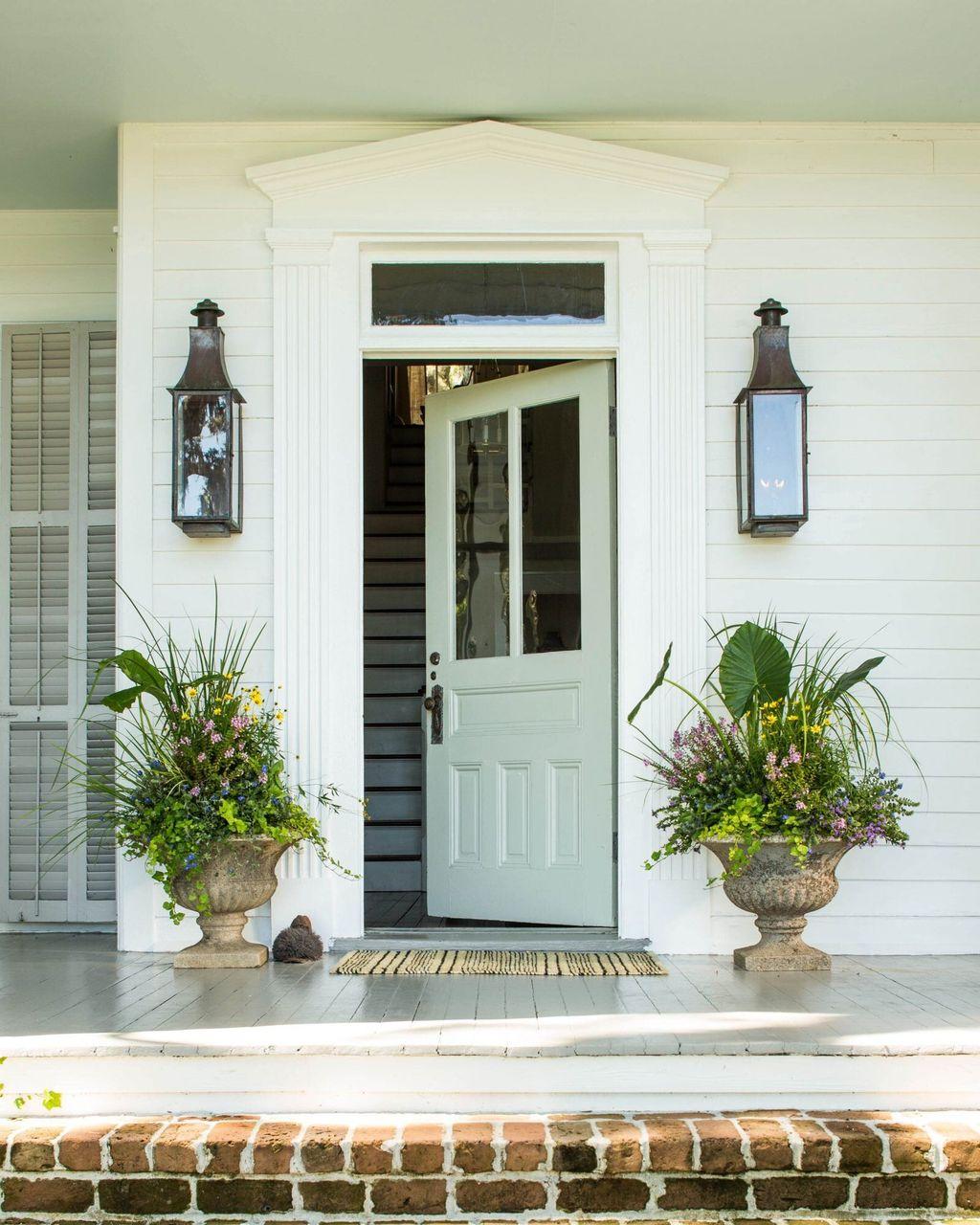 Beautiful Summer Planters Ideas For Front Door Decor 35