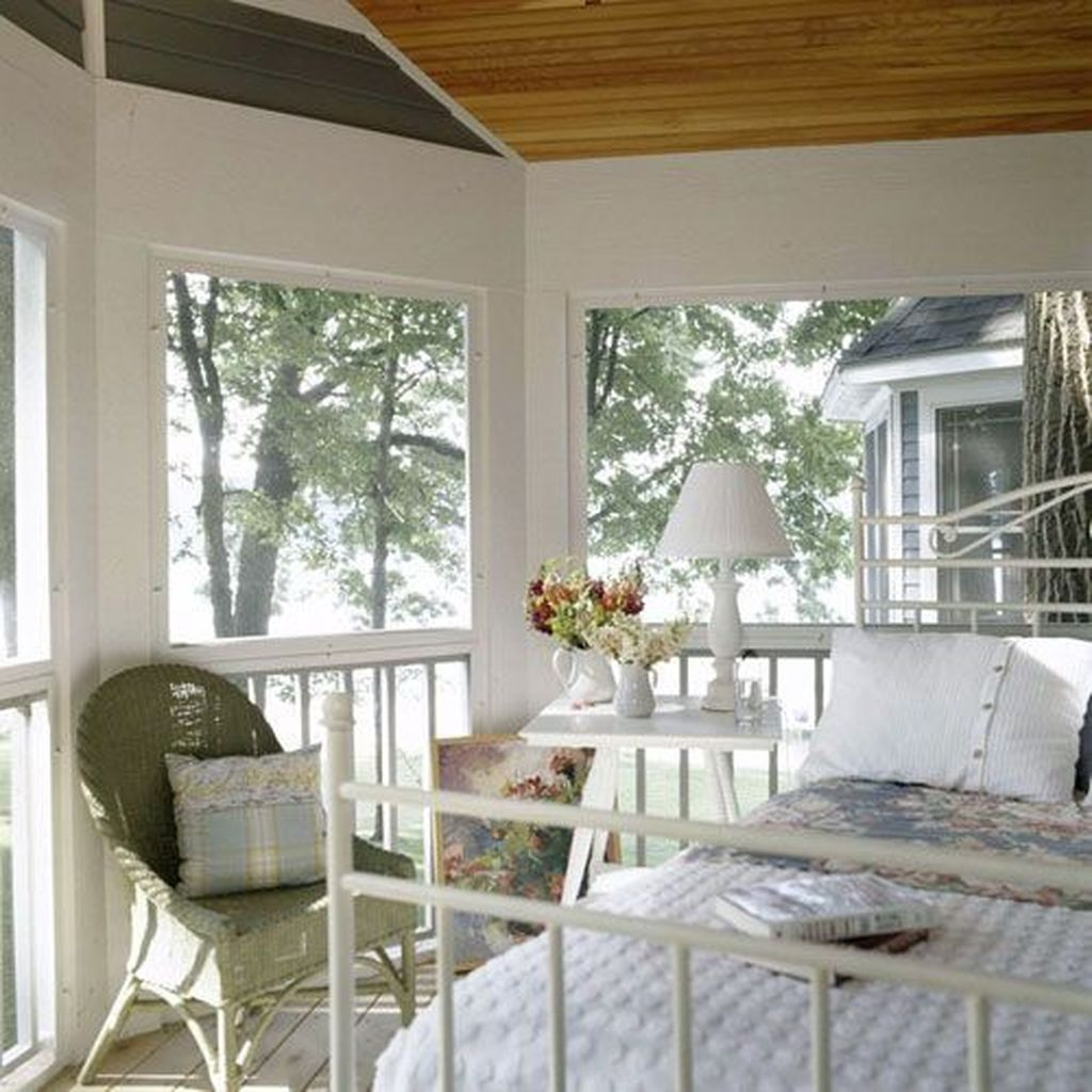 Charming Small Sunroom Decorating Ideas You Must Try 03