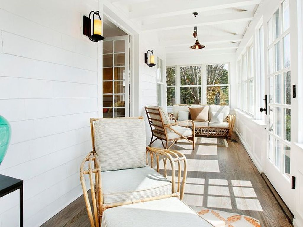 Charming Small Sunroom Decorating Ideas You Must Try 13