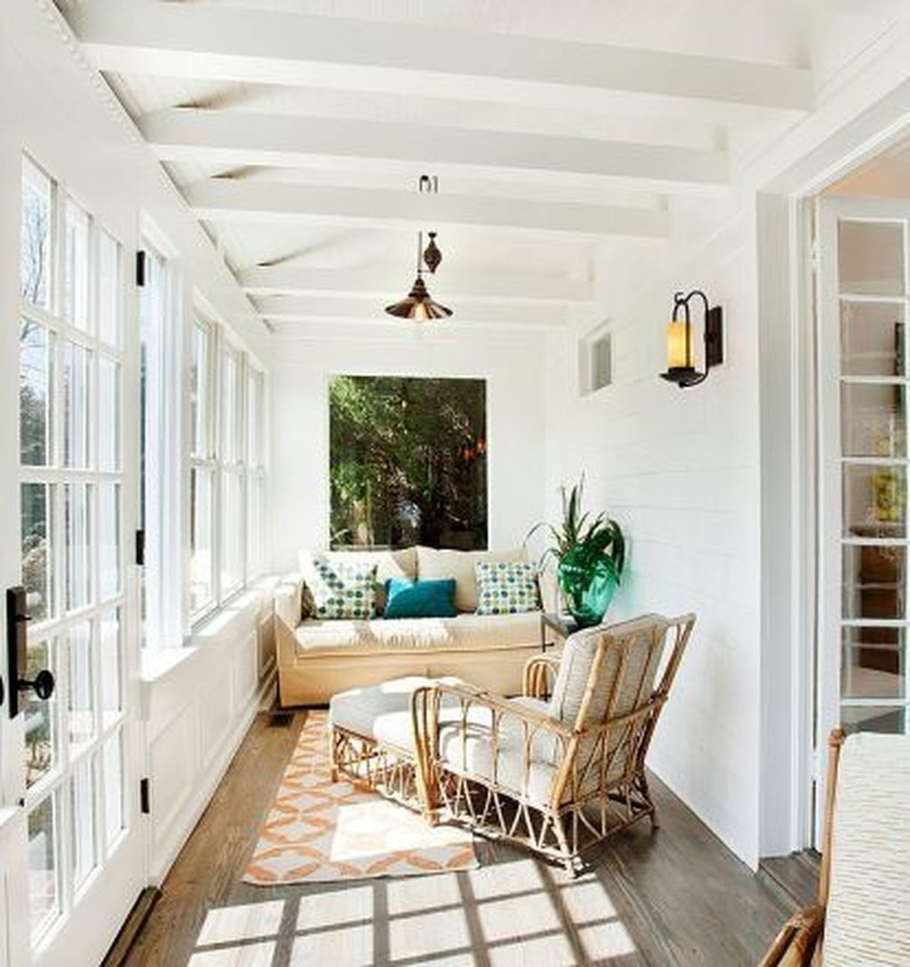Charming Small Sunroom Decorating Ideas You Must Try 20