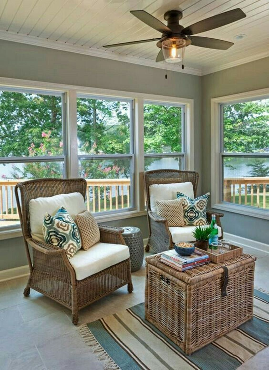 Charming Small Sunroom Decorating Ideas You Must Try 33