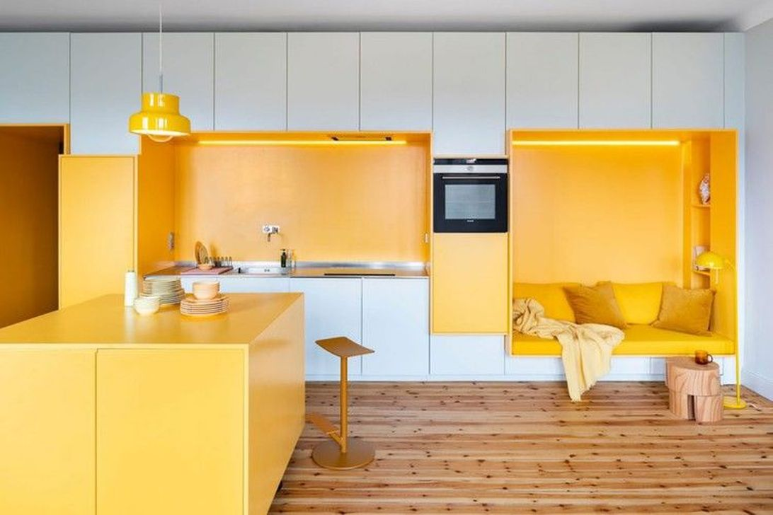 Charming Yellow Interior Design Ideas Best For Summer 17