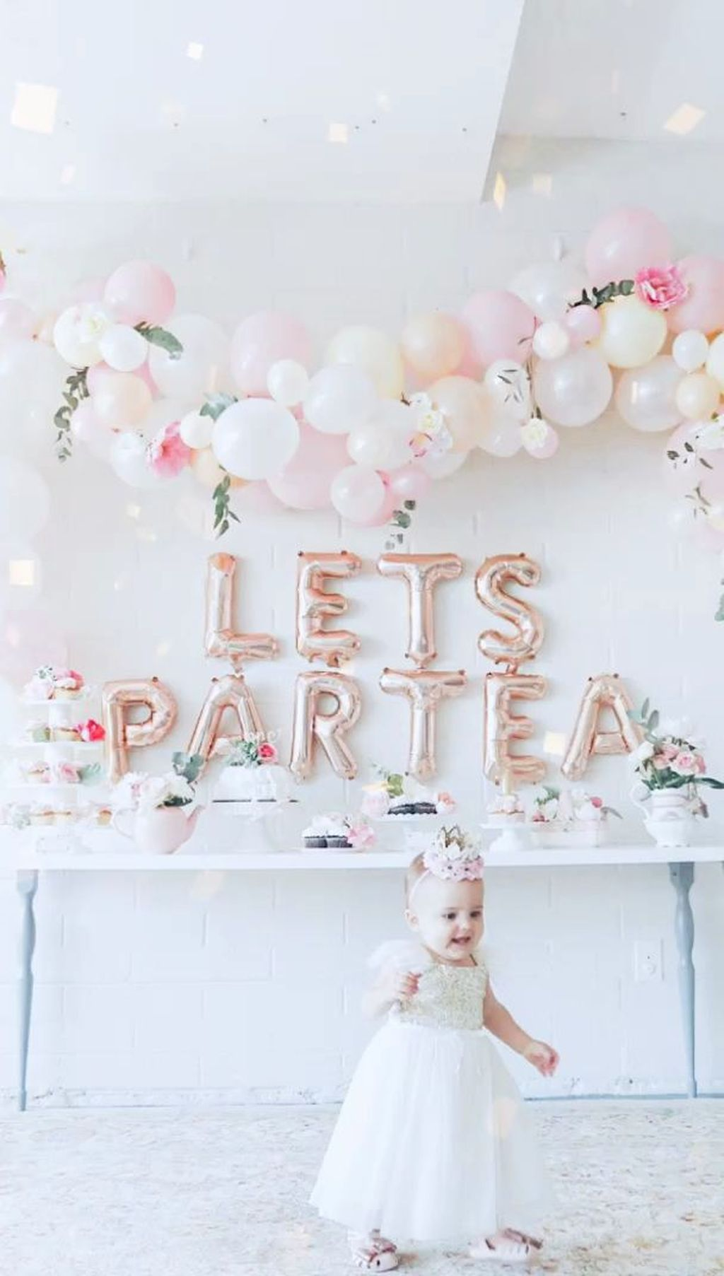 Fabulous Floral Theme Party Decor Ideas Best For Summertime 08