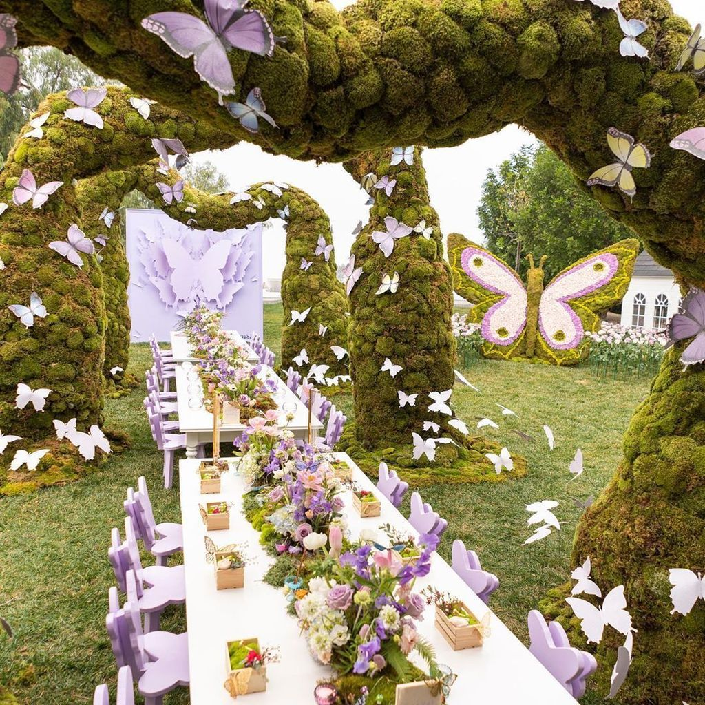 Fabulous Floral Theme Party Decor Ideas Best For Summertime 30